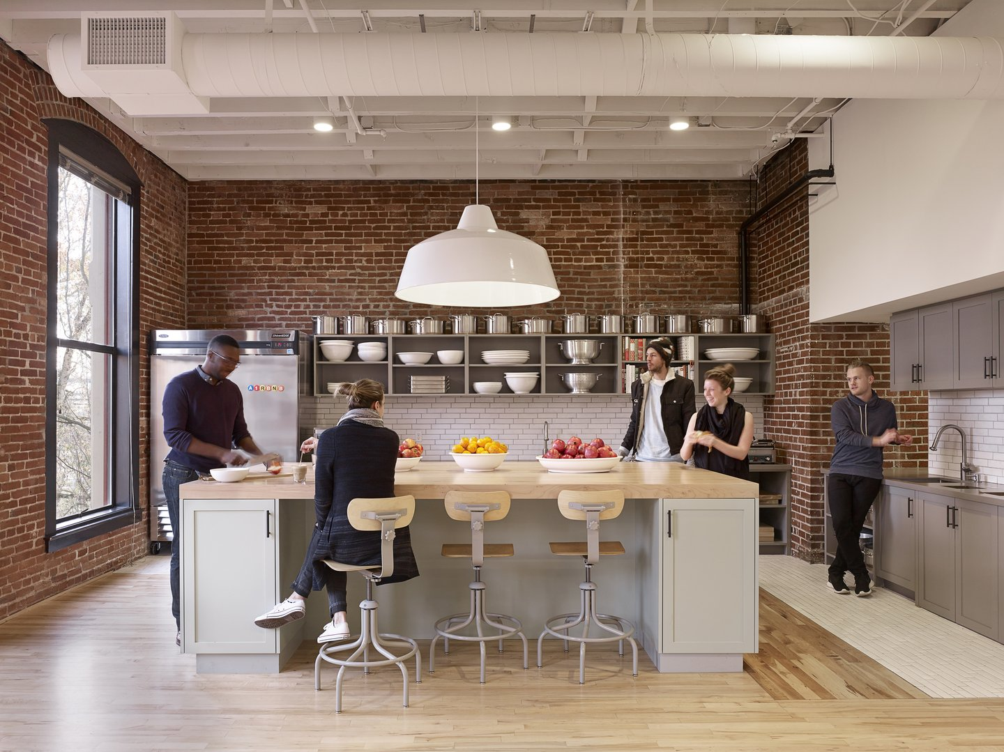 Airbnb Portland Kitchen - Custom Spaces