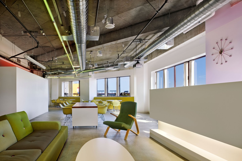 Phone room office space photos custom spaces - Razorfish